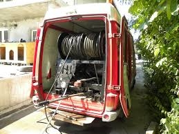 womás duguláselhárító autó
